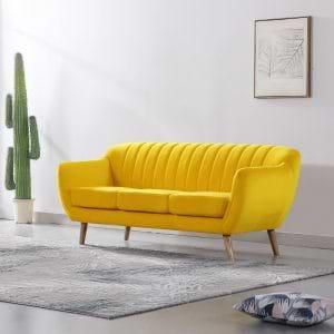 ספה תלת מושבית בעיצוב רטרו עם ריפוד בד קטיפה חרדל דגם רותם