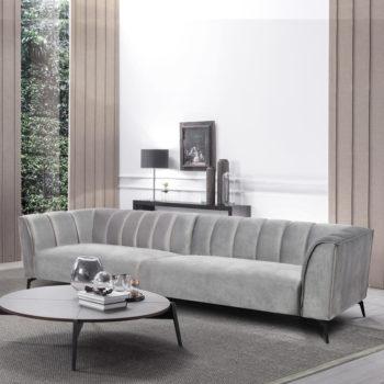 ספה רחבה 3 מ' מעוצבת עם קפיצים מבודדים ובד קטיפתי דגם ורונה – אפור
